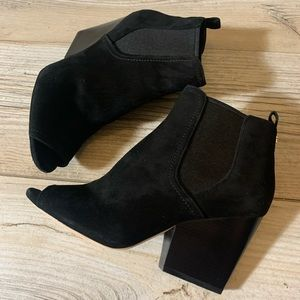 Tory Burch black suede ankle boots sz 8 M